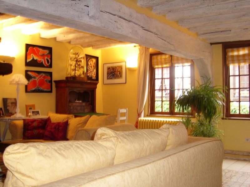 plafond de couleur elegant motif gomtrique peint sur le plafond with plafond de couleur. Black Bedroom Furniture Sets. Home Design Ideas